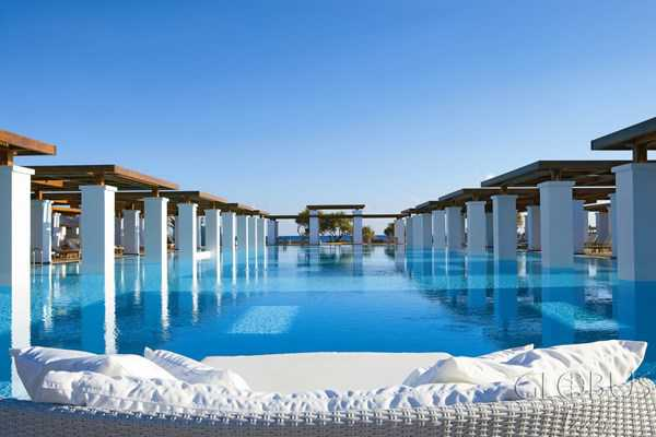be-boi-vo-cuc-trong-Amirandes-Grecotel-Exclusive