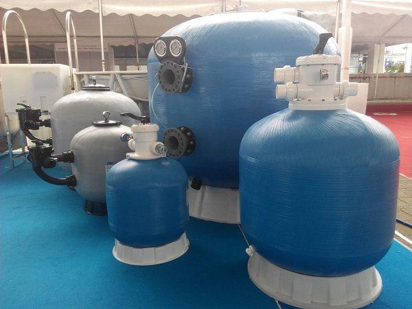 Mua thiết bị vệ sinh bể bơi ở Hà Nội cần lưu ý những gì?