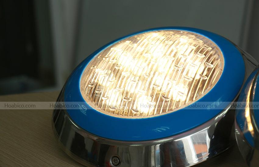Cách sử dụng đèn Led màu vàng trang trí bể bơi (18W)