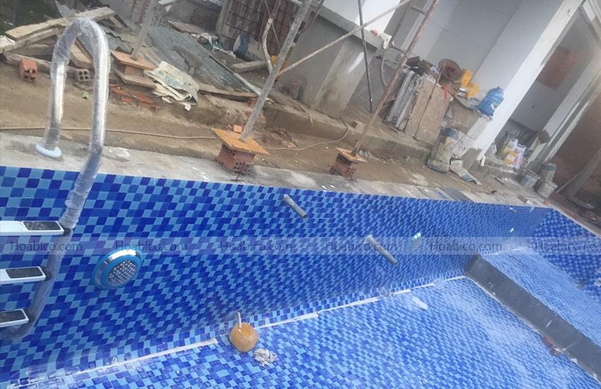 Lắp đặt đèn Led màu vàng trang trí bể bơi (18W)