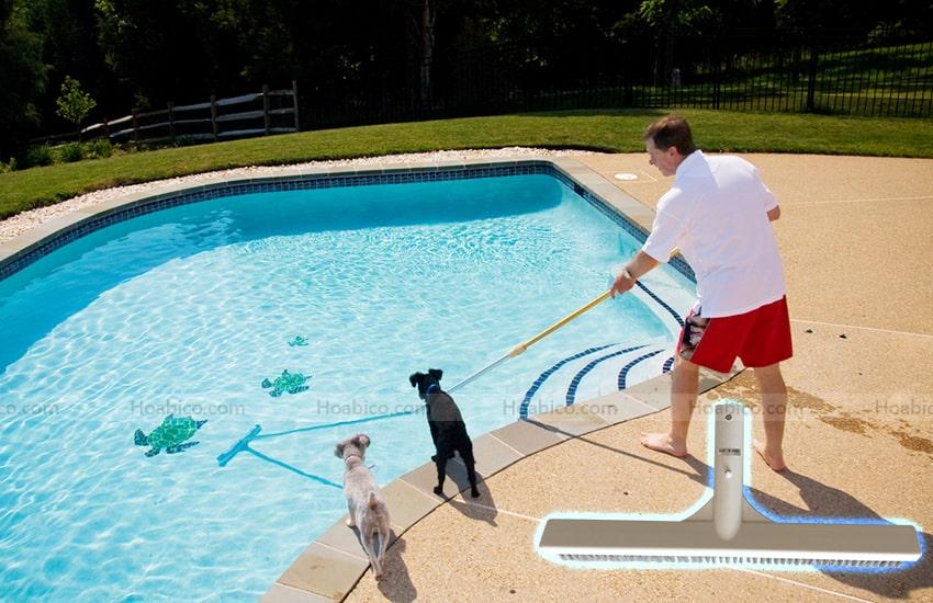 Ứng dụng của chổi cọ vệ sinh bể bơi Emaux